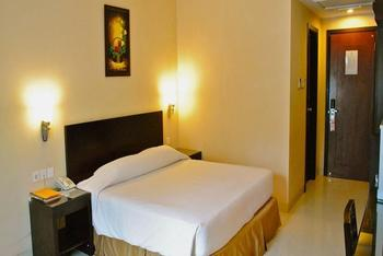 Hotel Nuansa Indah Balikpapan - Deluxe Room Only Regular Plan