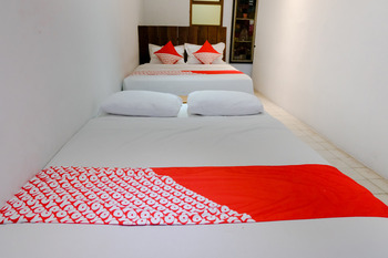 OYO 626 Augustina Home Malang - Suite Family Regular Plan