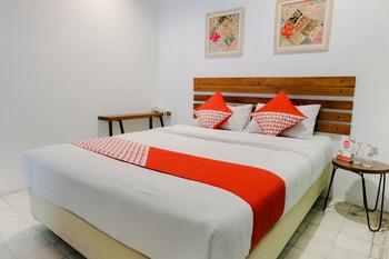 OYO 626 Augustina Home Malang - Standard Double Room Regular Plan