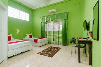 RedDoorz Syariah near Museum Tsunami Aceh 2 Banda Aceh - RedDoorz Twin Room AntiBoros