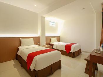 Sweet Karina Bandung Bandung - Deluxe Twin Room Regular Plan