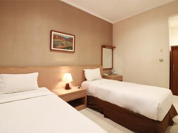 Sweet Karina Bandung Bandung - Standard Twin Room Regular Plan