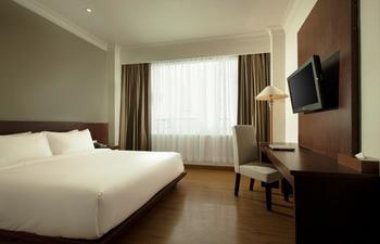 Hotel Santika Luwuk Sulawesi Tengah - Superior Room Queen Sea View Regular Plan