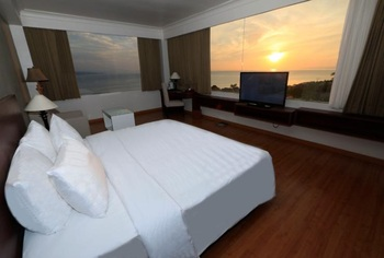 Hotel Santika Luwuk Sulawesi Tengah - Superior Room Twin Sea View Promotion  Regular Plan