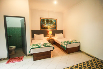 Sendok Hotel Lombok - Standard Room With AC Regular Plan