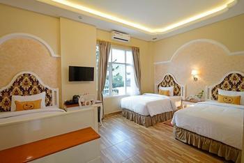 Sahira Butik Hotel Pakuan Syariah Bogor - Family Room Breakfast Regular Plan
