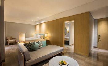 Hotel Santika Garut Garut - Suite Room King Regular Plan