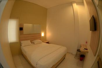 Oemah Djari Guest House Syariah Semarang Semarang - Superior Room FC 7 Days Basic Deal 40%