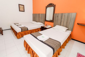 Hotel Pajajaran Malang - Deluxe Room Minimum Stay 2 Nights 45%