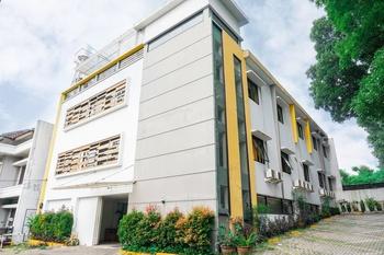 OYO 2778 Alvin Residence Near RS Paru Rotinsulu