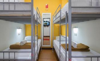 CX Hostel Kuta Raya Bali - Bunk Bed Dormitory (Kamar Berbagi) - Harga Untuk 1 Orang Save 10%