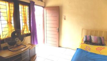 Amelia Guest House Medan - Standart Room Only Regular Plan