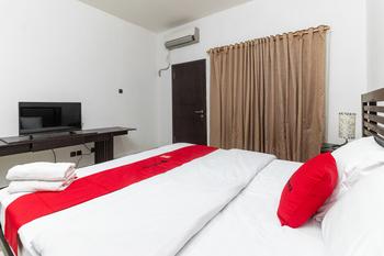 RedDoorz near Bahu Mall Manado Manado - RedDoorz Room with Breakfast Regular Plan