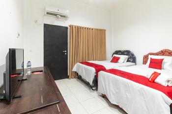 RedDoorz near Bahu Mall Manado Manado - RedDoorz Twin Room Basic Deal