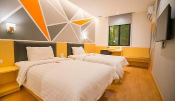 7 Days Premium Hotel Jakarta - Standard Twin Room Long-stay Promo 20%