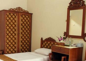 Hotel Istana Batik Ratna Yogyakarta - Deluxe Twin Room Only Regular Plan