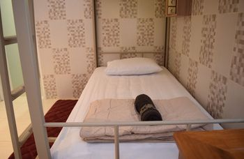 The Cabin Purwokinanti Hotel Yogyakarta - Twin Private Bathroom Regular Plan