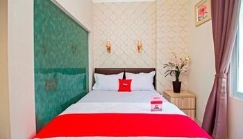RedDoorz Cideng Barat Jakarta - RedDoorz Room with Breakfast SPECIAL DEALS