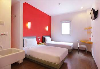 Amaris Thamrin City - Smart Room Twin Special Minimum 2 Nights Stay Regular Plan