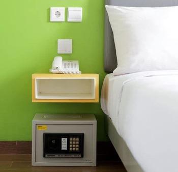Amaris Hotel Thamrin City Jakarta - Smart Room Twin Special Package ( Breakfast + Dinner ) Regular Plan