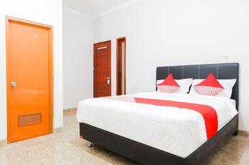 OYO 1519 Axl Residence Jakarta - Deluxe Double Room Regular Plan