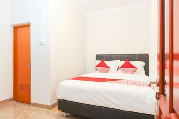 OYO 1519 Axl Residence Jakarta - Standard Double Room Regular Plan