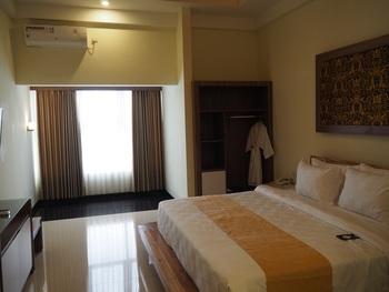 Luminor Hotel Banyuwangi Banyuwangi - Junior Suite Room Breakfast Regular Plan