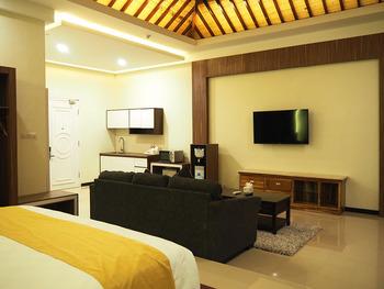 Luminor Hotel Banyuwangi Banyuwangi - Royal Suite Room Breakfast Regular Plan