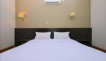 Sky Hotel Buah Batu 1 Bandung Bandung - Deluxe Double Room Only Regular Plan