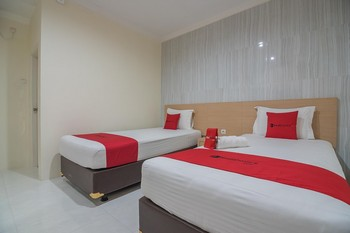 RedDoorz near MT Haryono Semarang Semarang - RedDoorz Twin Room with Breakfast Best Deal