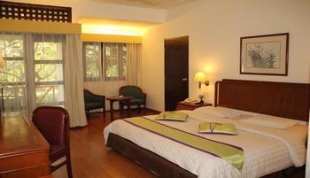 Theme Park & Resort Hotel Pantai Cermin Serdang Bedagai - Family Room Regular Plan
