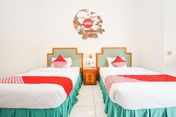 OYO 377 Istana Permata Juanda Surabaya - Standard Twin Room Regular Plan