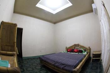 Duyung Rooms and Resto Lombok - Standard Double Room with AC Room Only NR Regular Plan