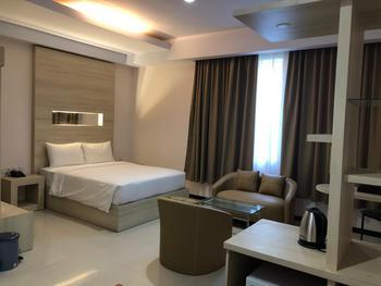 Azizah Syariah Hotel & Convention Kendari Kendari - Deluxe Double Room Regular Plan