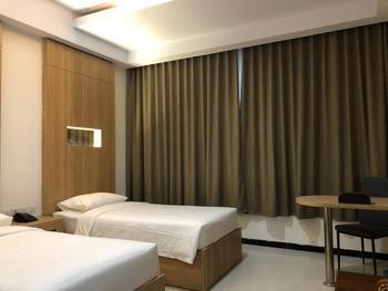 Azizah Syariah Hotel & Convention Kendari Kendari - Deluxe Twin Room Regular Plan
