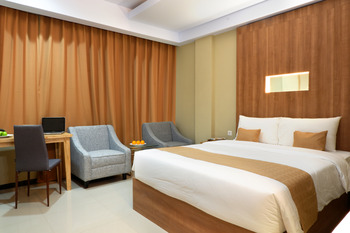 Azizah Syariah Hotel & Convention Kendari Kendari - Deluxe Double Room - Special Deals Regular Plan