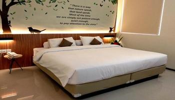 Front One Resort Magelang - Junior Suite Room Special Deals
