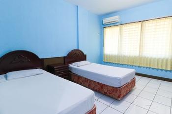 New Valentino Hotel Makassar - Superior Twin Room KETUPAT