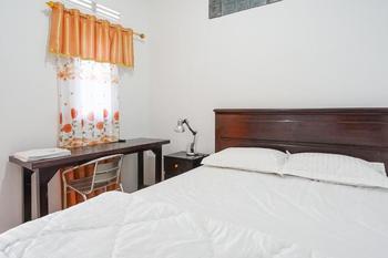 Villa Robert Manado - Superior Shared Bathroom Room Only FC MIN. STAY 44%