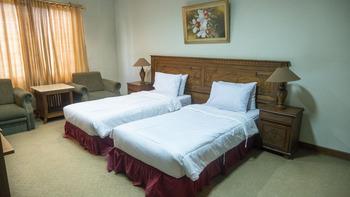 Grand Mangku Putra Hotel Cilegon - Superior Twin Room Only Regular Plan