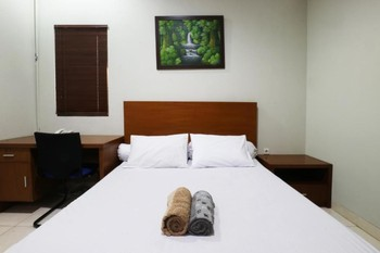 Sky City Home Bandung - Deluxe Queen Room Only FC Special Deal