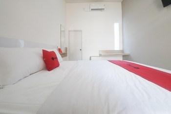 RedDoorz Syariah near Transmart MX Malang Malang - RedDoorz Twin Room Regular Plan