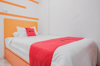 RedDoorz @ Jalan Sukabangun 2 Palembang Palembang - RedDoorz Room Basic Deal