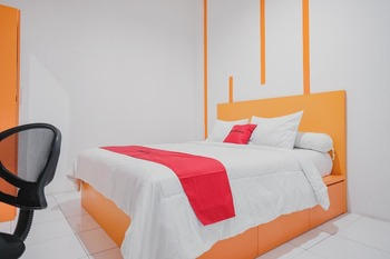 RedDoorz @ Jalan Sukabangun 2 Palembang Palembang - RedDoorz Room with Breakfast Basic Deal
