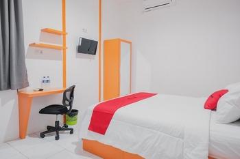 RedDoorz @ Jalan Sukabangun 2 Palembang Palembang - RedDoorz Room with Breakfast Regular Plan