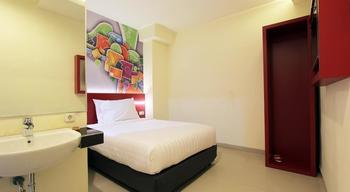 Fariz Hotel Malang - Superior Double Room Only Regular Plan