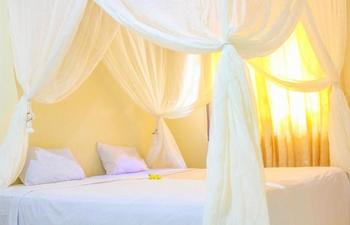 Lolo House Bali - Standard Room with AC Room Only Regular Plan