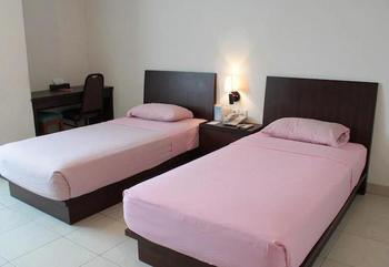 Losari Blok M Hotel Jakarta - Standard Twin Hot Deal 40%