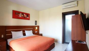 Kondra Premier Guest House Kuta Bali - Superior Room TravelOffer 35%