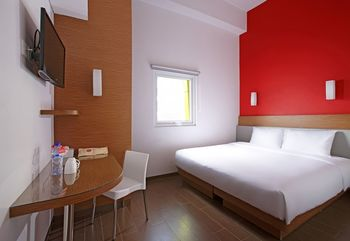Amaris Pasar Baru Jakarta - Smart Room Queen Staycation Offer Regular Plan